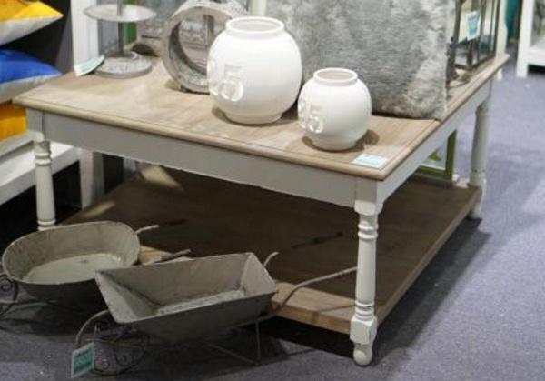 landhaus couchtisch wohnzimmertisch weiss grau braun. Black Bedroom Furniture Sets. Home Design Ideas