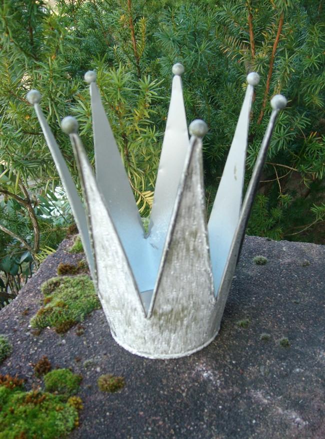 Deko krone windlicht gartendeko pflanztopf eisen antik for Gartendeko gusseisen rostig