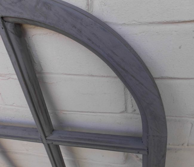 Graue Gestaltung Von Dem Flur Mit Wanddeko Bilderrahmen: Fenster Sprossenfenster Bilderrahmen Halbrund Wanddeko